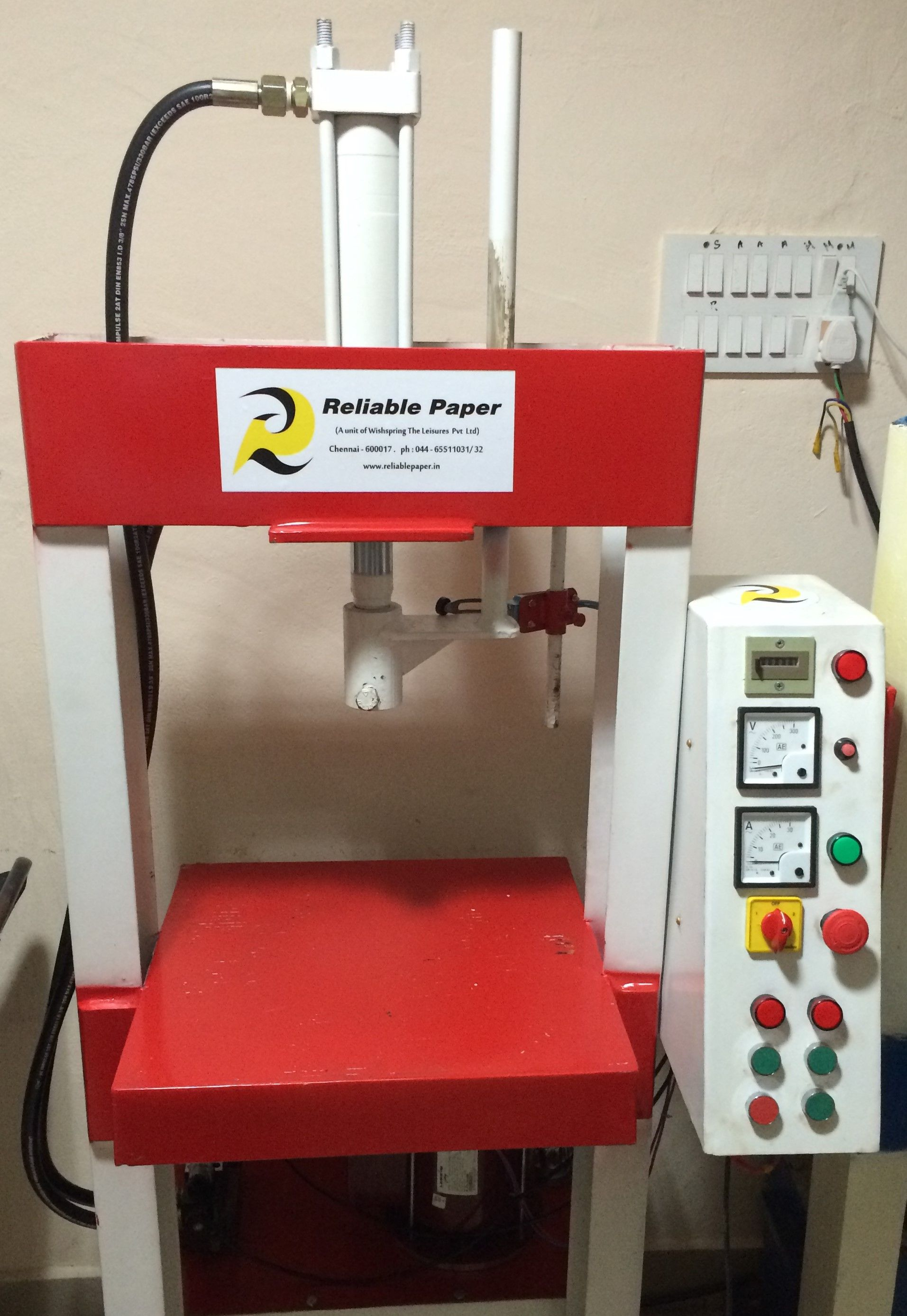 Reliable Papper's Semi Automatic Hydraulic paper plate machine